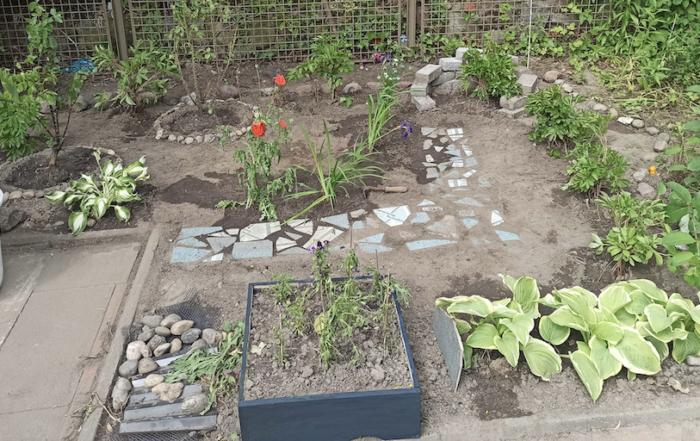 Betriebspraktikum Schülerpraktikum 9. Klasse Jahrgang Treppenhaus Gartenarbeit Beete